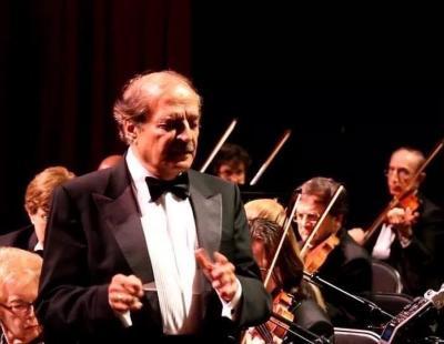 المايسترو نبيل عزام مع فرقة ميستو